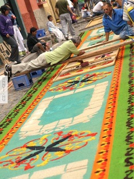 Fűrészpor szőnyeg guatemala