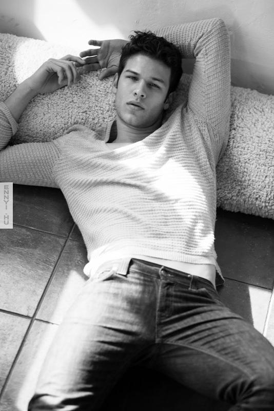 Model-Boy-2011-Sexy-hottest-actors-20318426-534-800