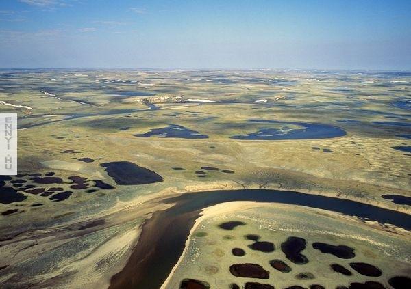 aulavik-tundra-canada-national-parks_