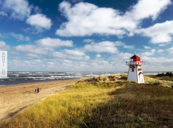 prince-edward-island-light-house-canada-national-parks