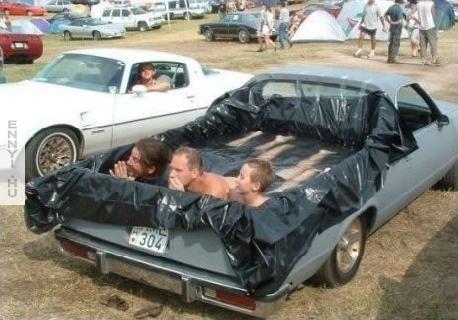 redneck_car-4078