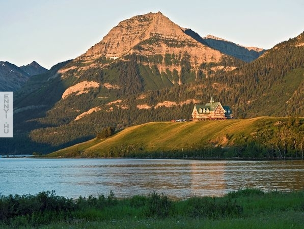 waterton-lakes-hotel-canada-national-parks